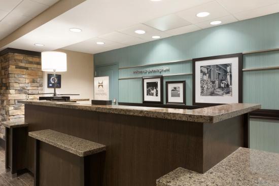 هامبتون إن آند سويتس برمنجهام / 280 إيست: Hampton Inn & Suites Birmingham/280 East-Eagle Point - Front Desk