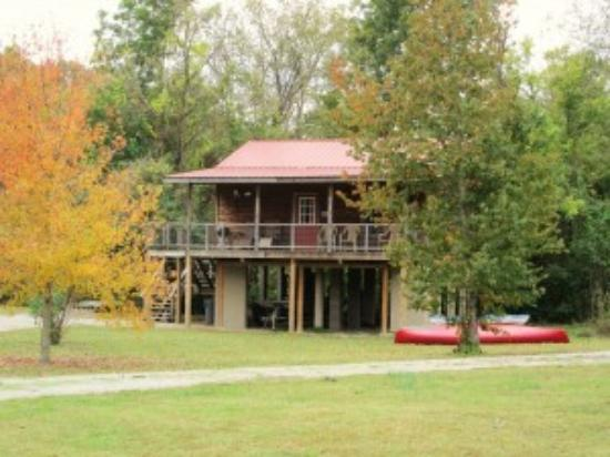 Norfork, AR: Creekside Cabin - Exterior