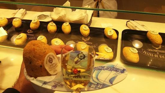 Image result for pastel de bacalhau drink served
