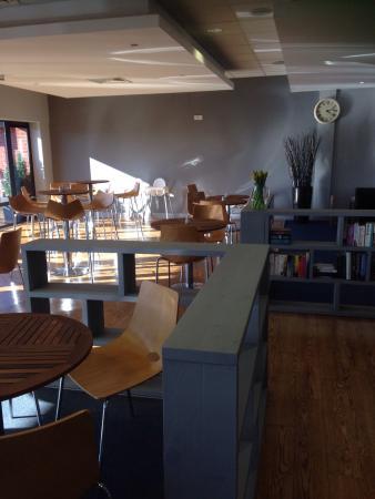 Bradys Cafe