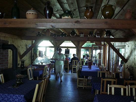 Berek Halaszkert: A bajánsenyei Berek étterem nagyterme