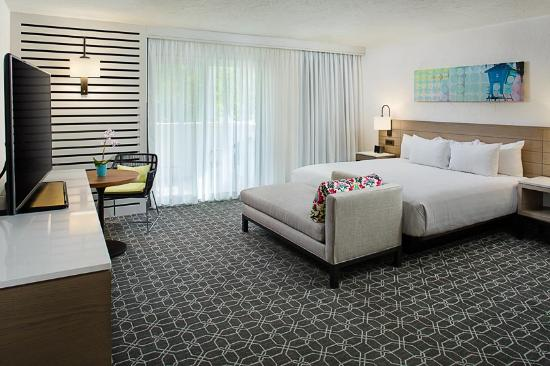 1 King Guestroom - Santa Barbara House by Hyatt