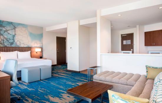 king suite picture of courtyard by marriott marathon florida keys rh tripadvisor com