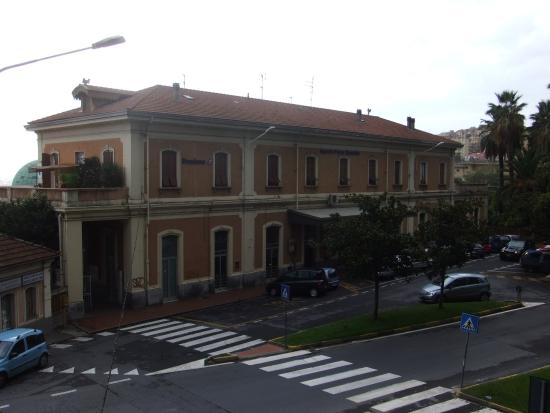 Stazione Ferroviaria di Porto Maurizio
