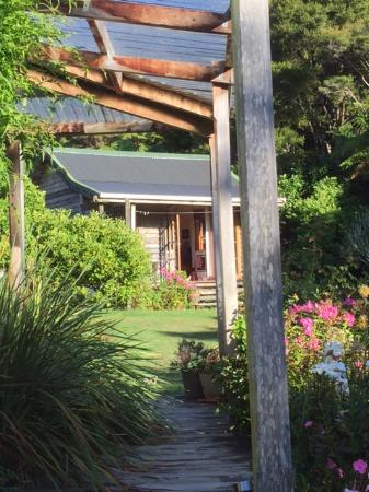 The Innlet Backpackers and Cottages: a little self-contained cottage
