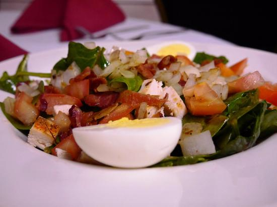 The Class Act Restaurant: Spinach & Chicken Salad
