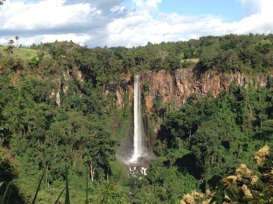 Cassia dos Coqueiros, SP: Cachoeira do Itambé - Cássia dos Coqueiros (vista do quiosque)