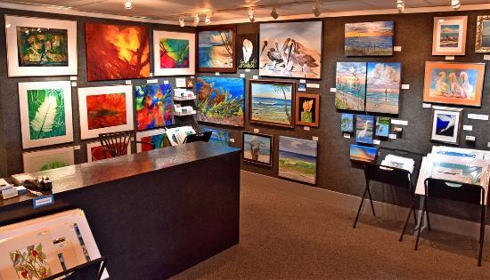 Island Gallery West