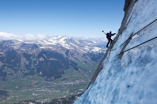 Portes du Soleil, سويسرا: un compañero alpinista  en Morgines cantón de Vale, cercano a la frontera de francia 