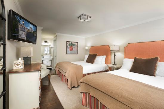200 Main: Standard Double Queen Room
