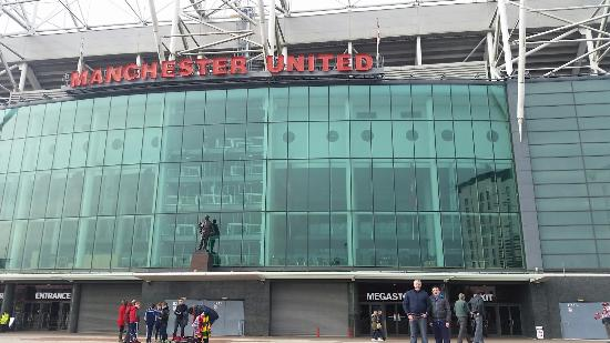 Old trafford manchester united museum and stadium tour