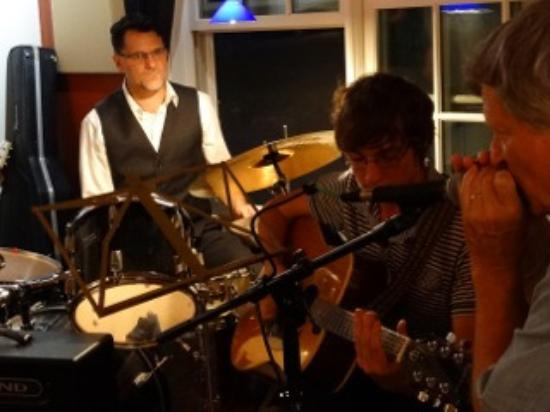 Hole in the Fence Cafe: Open mic night at Hole in the Fence