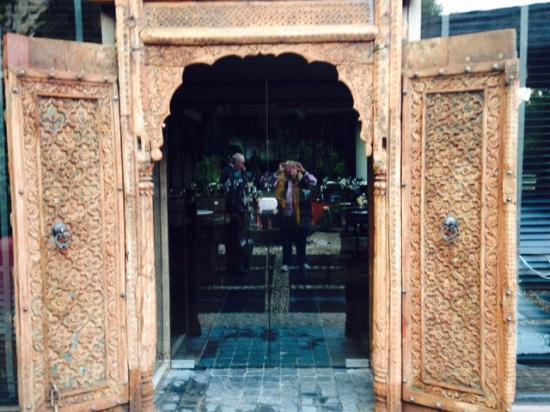 barcelo asia gardens hotel u thai spa puerta madera thai de entrada a uno de
