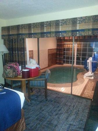 Ramada By Wyndham Spokane Airport Room With Private Pool