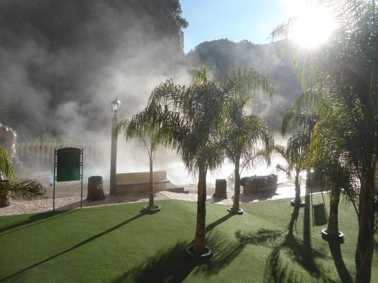 Hotel y Aguas Termales de Chignahuapan : Morning steam over pools on a cool morning.