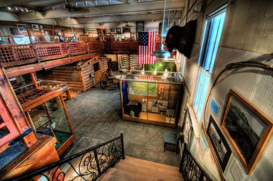 Gallatin History Museum: Historical Exhibits