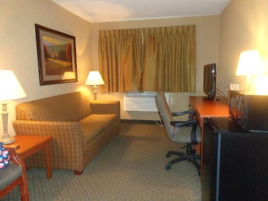 Cozad, NE: sitting area in room