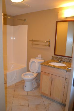 Candlewood Suites Ft Myers - I-75 Image