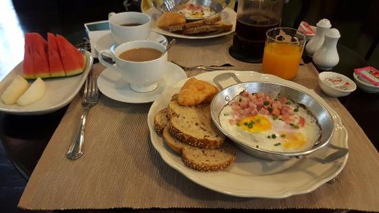 Baan Pra Nond Bed & Breakfast: 20160316_082318_large.jpg
