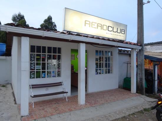 Bello, קולומביה: Oficina Aeroclub San Felix Parapente