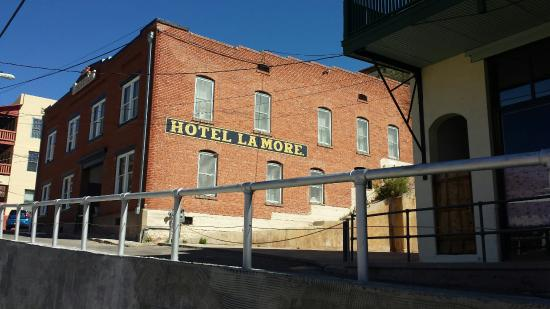 Hotel La More / The Bisbee Inn: 20160313_111805_large.jpg