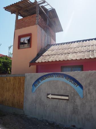 Blue Andaman Lanta Resort: arrivée à l'hôtel, des parties en construction
