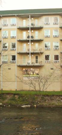 Twin Mountain Inn & Suites: Enjoy your private balcony!