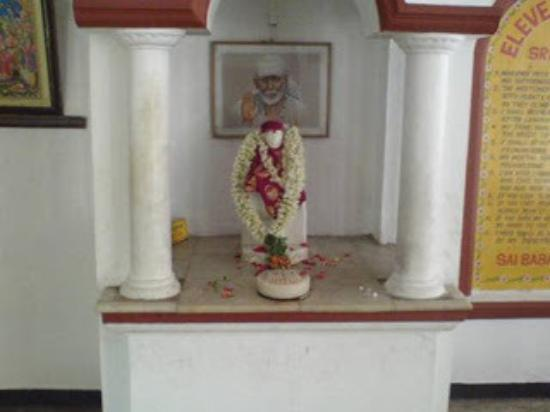 Shirdi Sai Baba Temple: Om Sri Sai Ram.