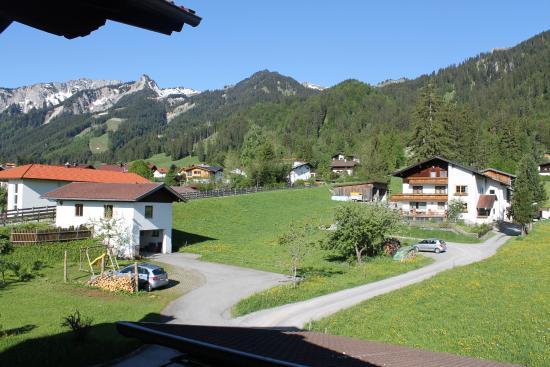 Вид с балкона апартаментов Hause Gebhard, Wangle