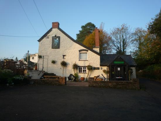 The Hunters Moon Inn Photo