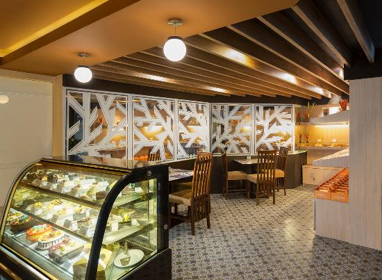 meZZa Restaturant: Bakery Corner