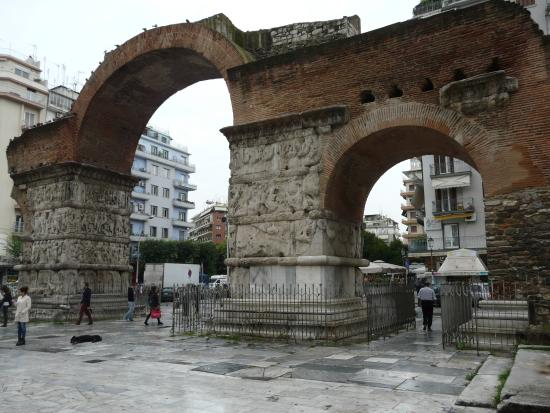 stunning arch - Picture of Arch of Galerius, Thessaloniki ...