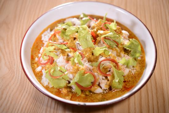 """Thai na: """"Puu Phad Pong Gari"""" Stir fried crabmeat with curry and Chinese celery"""