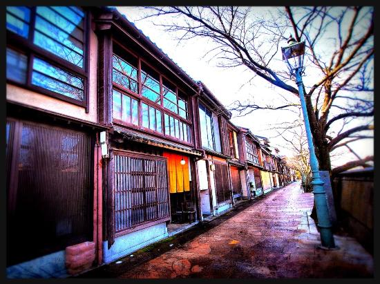 Kazuemachi Tea House Street