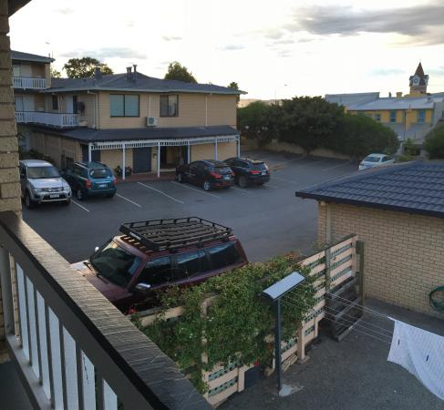 BEST WESTERN Albany Motel & Apartments: Inside room was lovely, bed was nice, bathroom was great. Just didn't enjoy balcony view (room 1