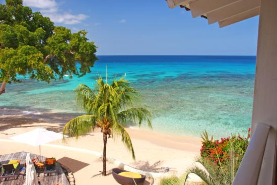 Paynes Bay, Barbados: Beach from the balcony