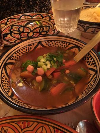 les cinq epices : Encore un excellent repas!