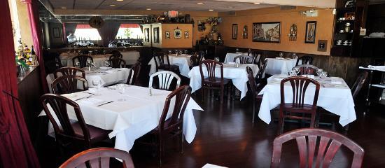 Liberty, estado de Nueva York: Piccolo Paese Main Dining Room