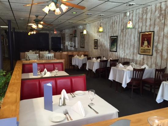 Lavender Bistro: Dining Room 4