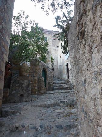 Palaia Monemvasia, Yunani: σοκάκια στην Μονεμβασιά