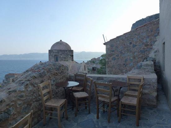 Palaia Monemvasia, Greece: Καφενεδάκι στην Μονεμβασιά