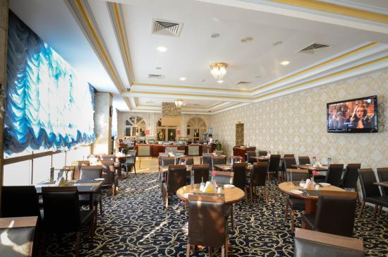 Al Seef  Hotel : Sea Waves Restaurant
