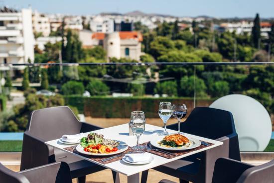 Emmantina Hotel: Roof garden bar
