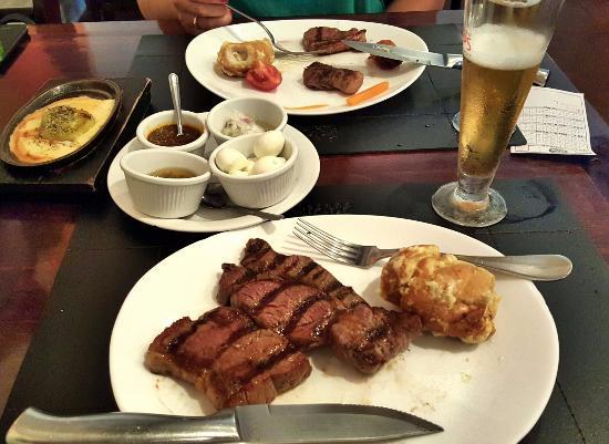 Excelente Restaurante Cabaña