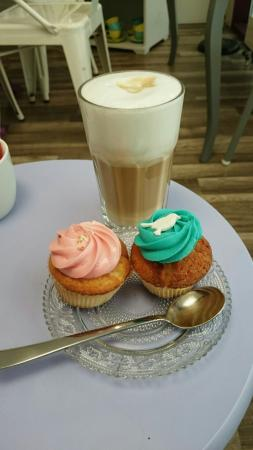 Cuppin's Teahouse & Cupcakes