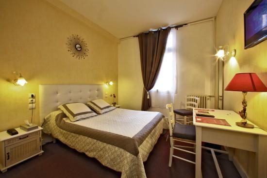 chambre double standard - Bild von Hotel de Bordeaux, Bergerac ...