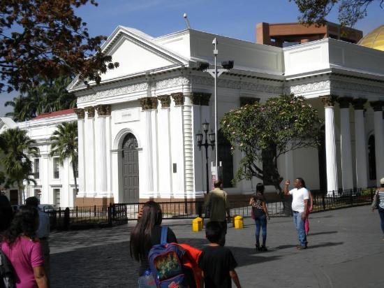 El Capitolio Nacional : uma perspectiva diferente