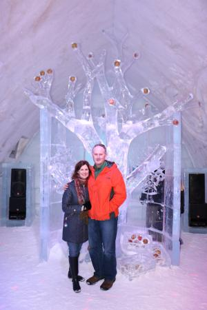Hotel de Glace Ice Bar: An ice tree with apples frozen inside. It smelled like apples! This was in the bar.