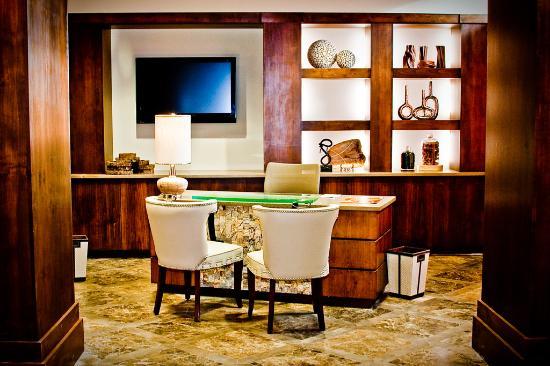 The Oxford Hotel : Concierge desk