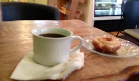 Kobuk Coffee Co: Coffee and Donuts